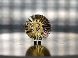 Bitcoin Gold (BTC) commemorative coin